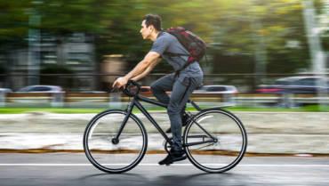 Seguradoras oferecem cobertura para bicicletas, patinetes, mochilas e tênis