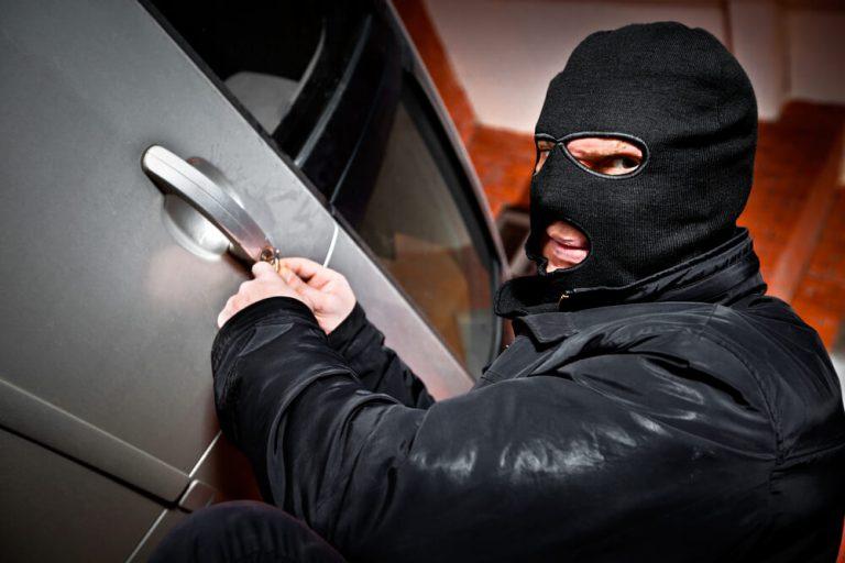 No Brasil, um carro é roubado a cada minuto